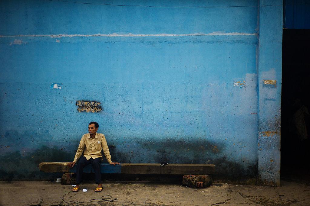 les-murs-sont-bleus-by-leingad-d7nvft1xlarge1416157043.jpg
